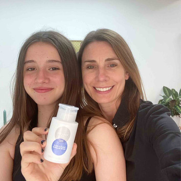Balance Me Co-Founder Rebecca with her teenage daughter who both Balance Me products daily