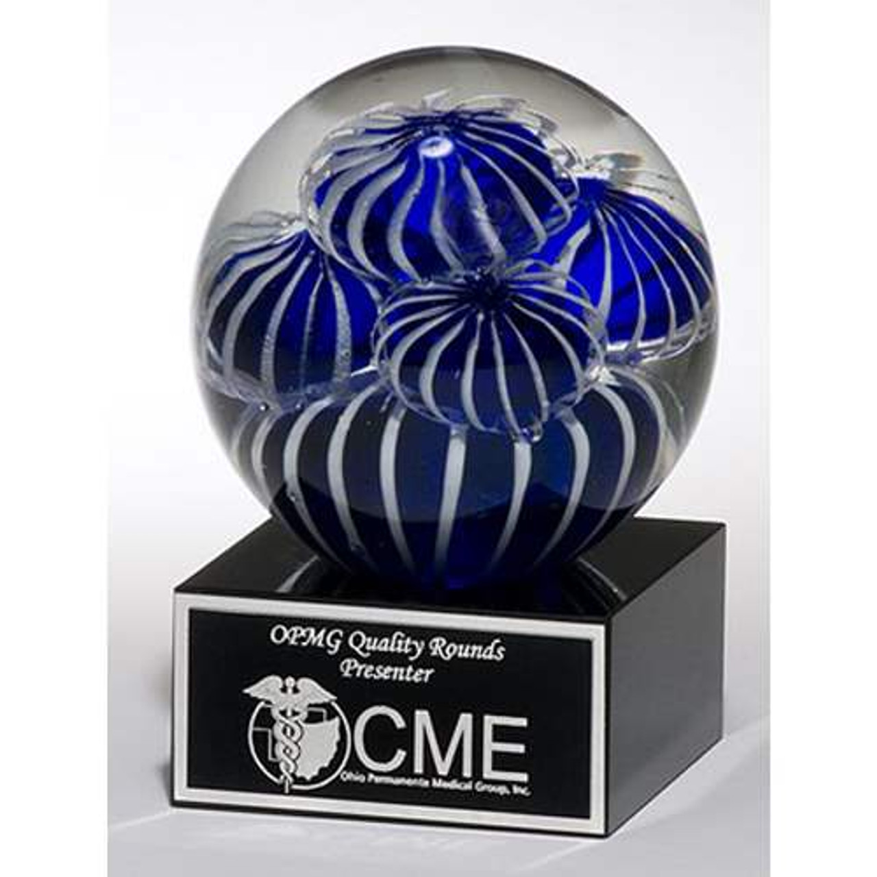 Art glass globe w/Blue-White Sea Anemone Design