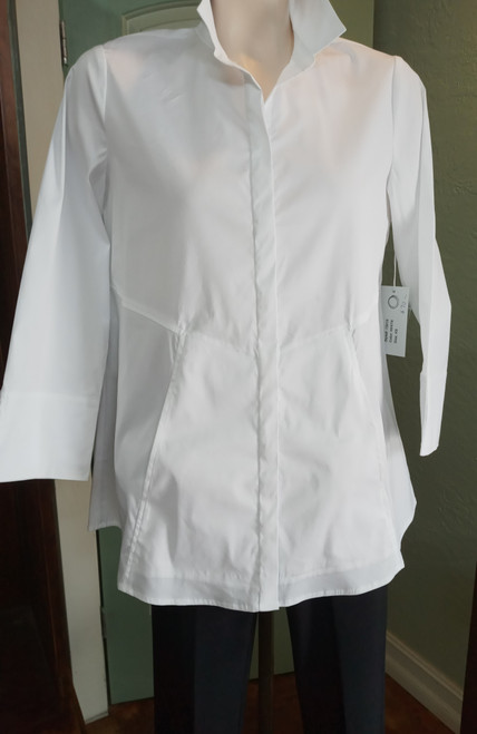 """Habitat White Long Blouse/Tunic at Bijou's Boutique. """"No show"""" full button front.   Three-quarter length sleeve with wide split cuff. Front pockets. Perfect white travel  shirt. 78% Cotton/20% Nylon/2% Spandex."""