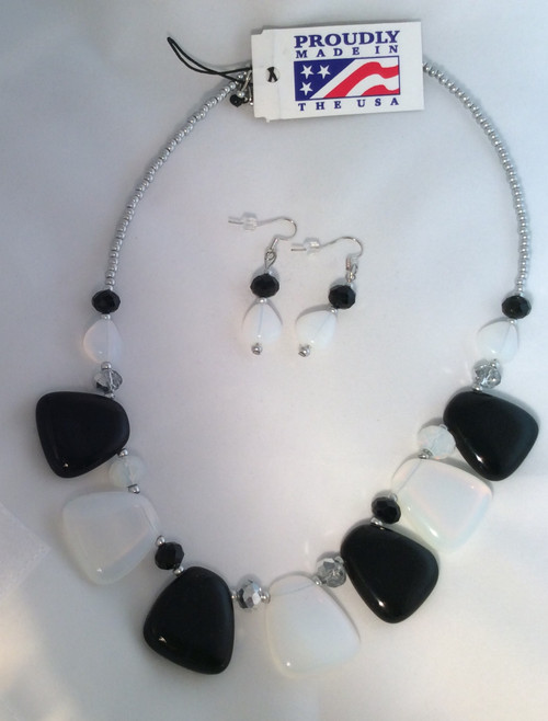 Devi black and white glass beads necklace and earrings set at Bijou's Boutique