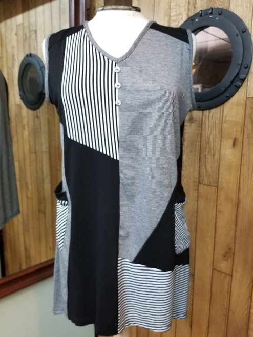 Variations Black & White Varied Stripes Sleeveless Tunic at Bijou's Boutique.  Two front pockets. 68% Viscose 32% Polyester.