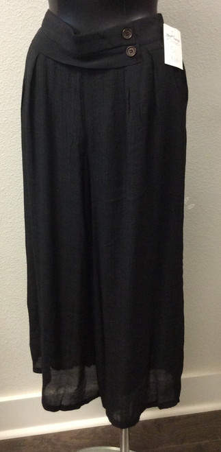 Papa Crop Leg Crepe Black Pants at Bijou's Boutique.  Wide leg and lined with pockets.