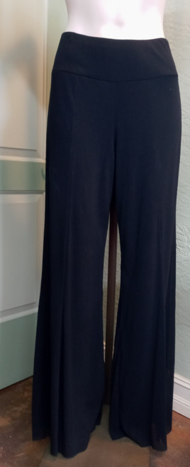 Elana Kattan Black Wide Leg Pant at Bijou's Boutique.  Fully lined voile full length pant. Raw hemline for easy alternation.  Lining 100% Polyester/Outer 100% Nylon.     Matches perfectly for a gorgeous look with Elana Kattan Black Top #23-0005.