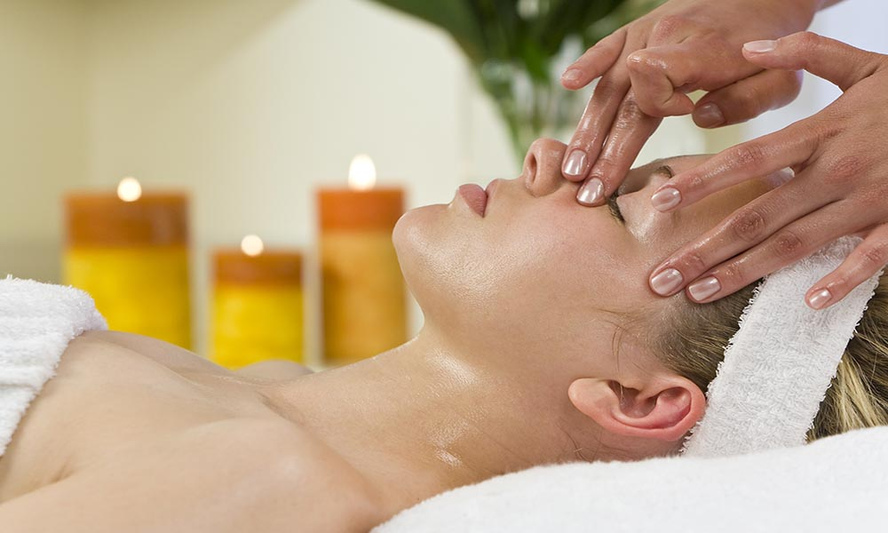 Prepeare Death Bed For Unwanted Facial Hairs Naturally!