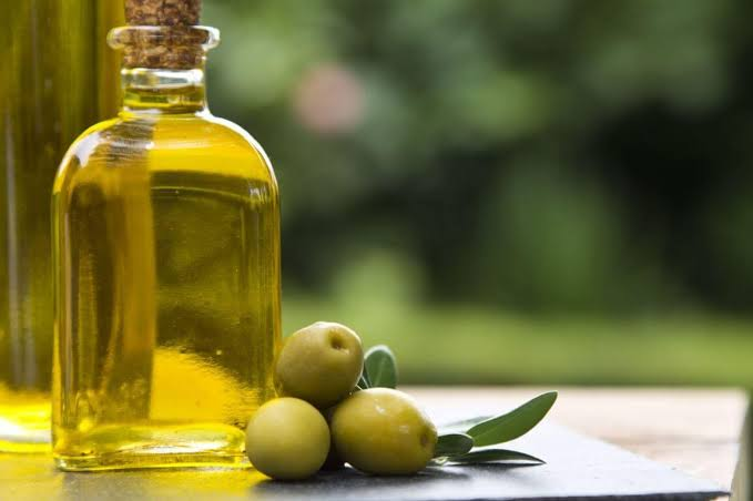 Olive Oil; a Perfect Solution to Get Rid Of Acne Scars