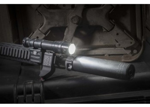 SureFire M600DF 1500 Lumen Dual Fuel LED Rifle Scout Light (M600DF-BK)
