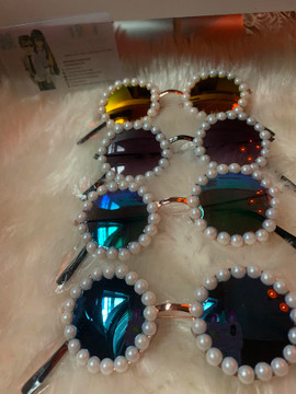 NYFW HANDMADE MINI PEARL FRAMES (Limited edition )