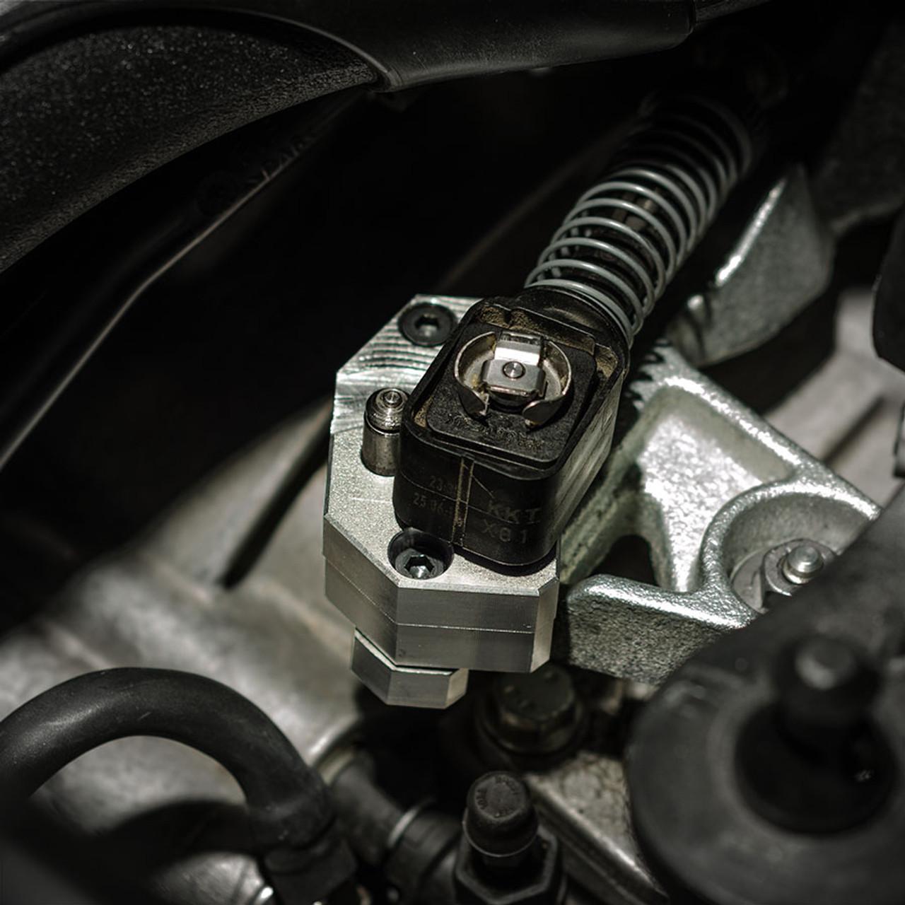 2015 + Volkswagen GTI / Golf R Short Shift Transmission Adapter