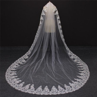 lace on veil