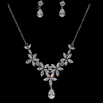 beautiful crystal necklace and earrings for brides