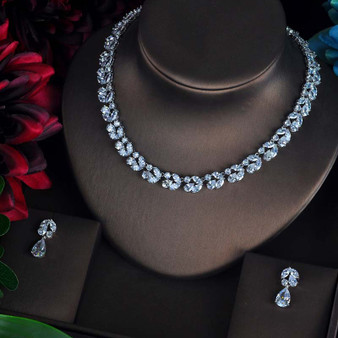 Wedding necklace and matching earrings set