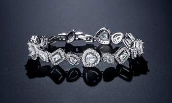 Bracelet AAA Cubic Zirconia Crystals Heart in Silver or Rose Gold