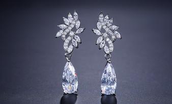 Elegant Cubic Zirconia Drop Wedding Earrings in Silver