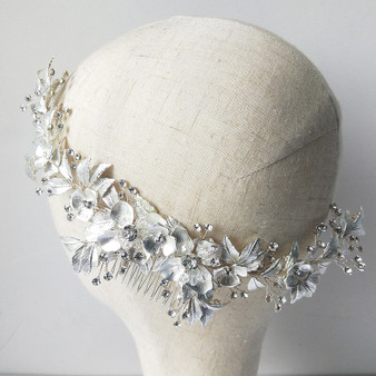 Beautiful Floral Vine Bridal Comb in Silver