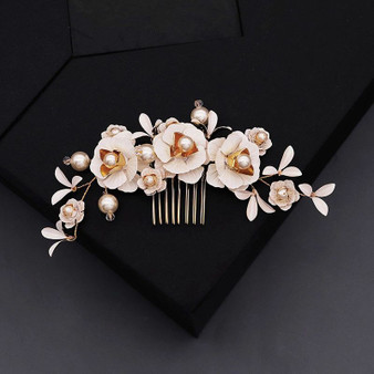 Floral Design Bridal Comb with Pearl Flowers