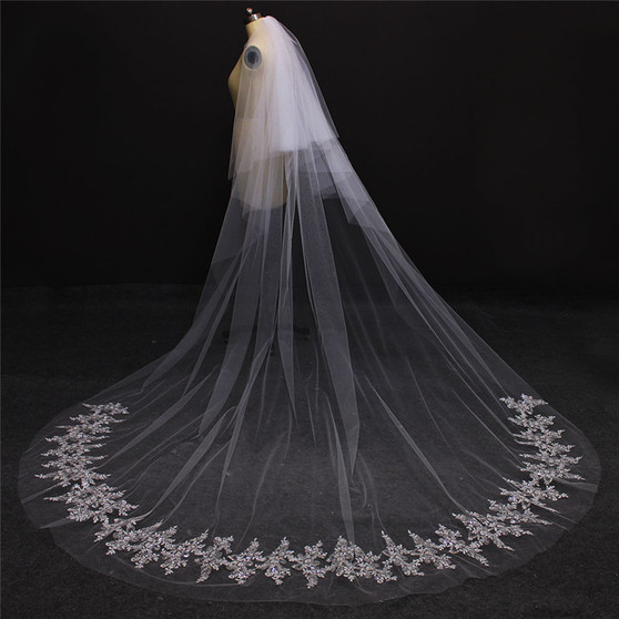 long veil with blusher