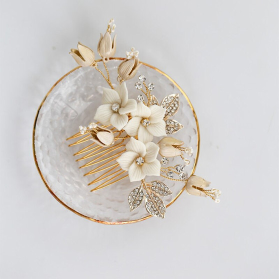 Chic Gold Rhinestone & Pearl Wedding Hair Comb with Porcelain Flowers