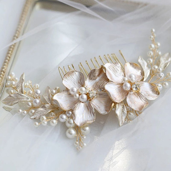 Elegant Gold Plated Floral Bridal Comb with Pearls