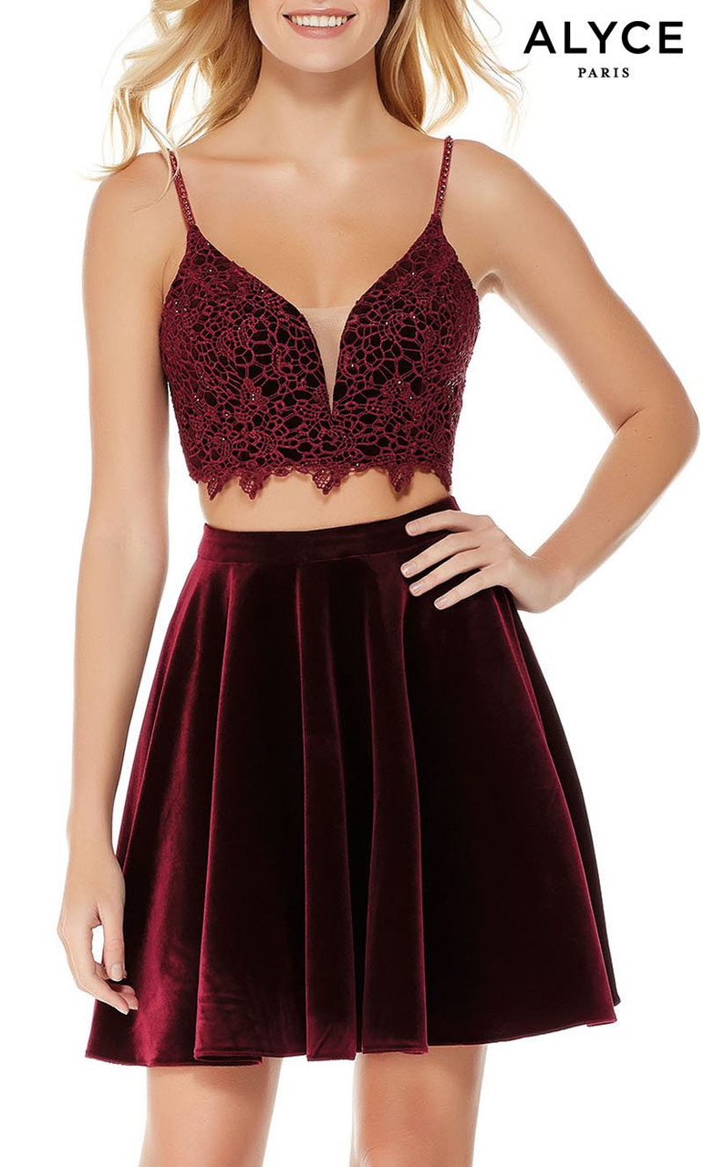 Alyce Paris 4038 Plunging Neckline Fit N Flare Short Dress