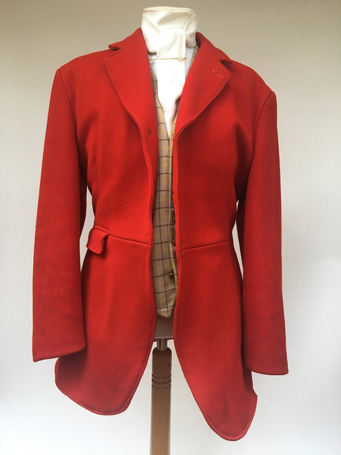 Gent's red 3-button hunt coat, 40""