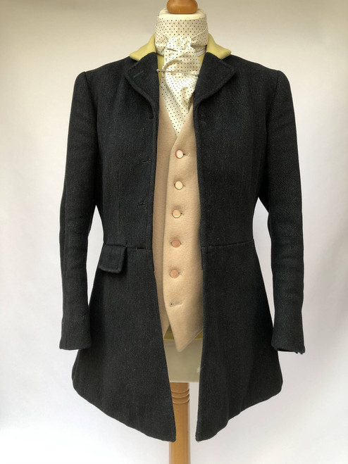 Vintage Frank Hall hunting coat, ladies' 32""