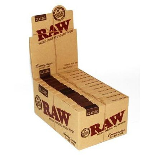 RAW Classic Rolling Papers Connoisseur 1 1/4 With Tips