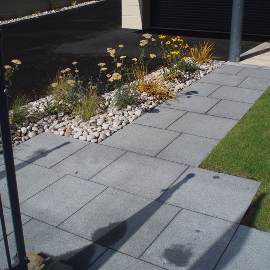 Blue Grey Granite Paving in situ3
