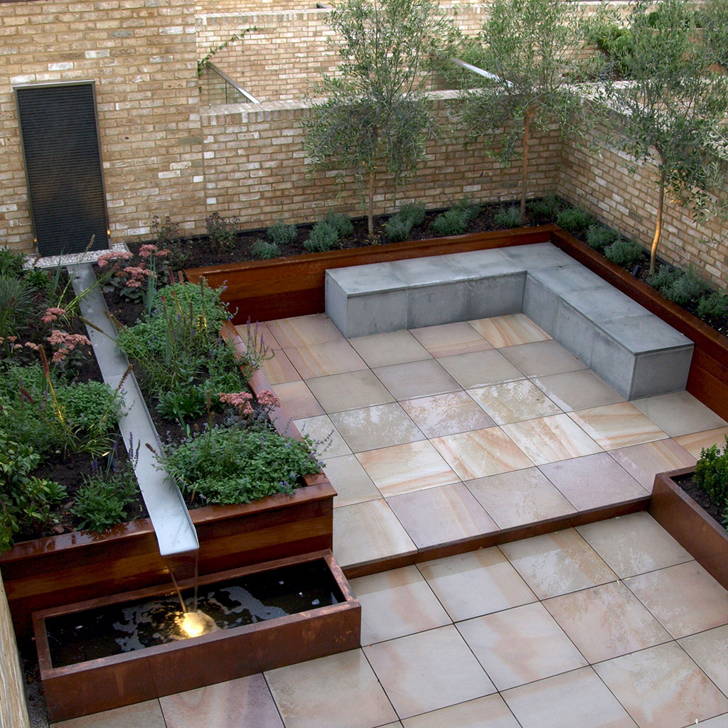 Pink Sandstone Paving In situ