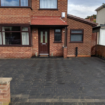 Charcoal Windermere Block Paving Driveway
