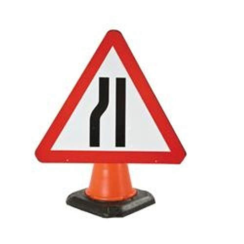 600MM ROAD NARROWS NEARSIDE CONE SIGN