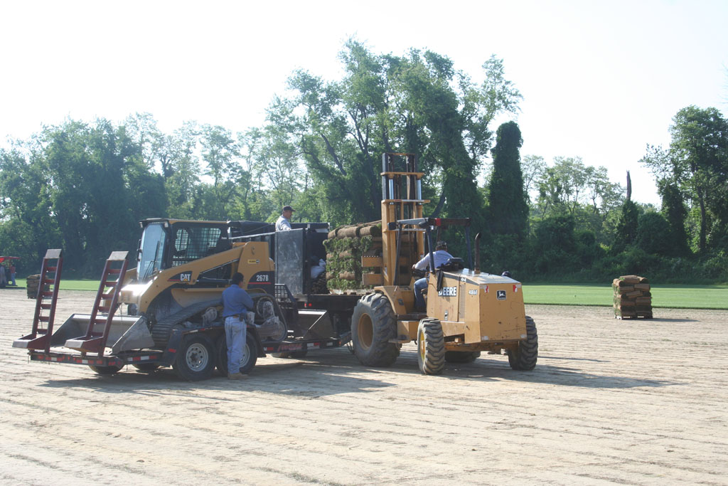 loading truck with sod