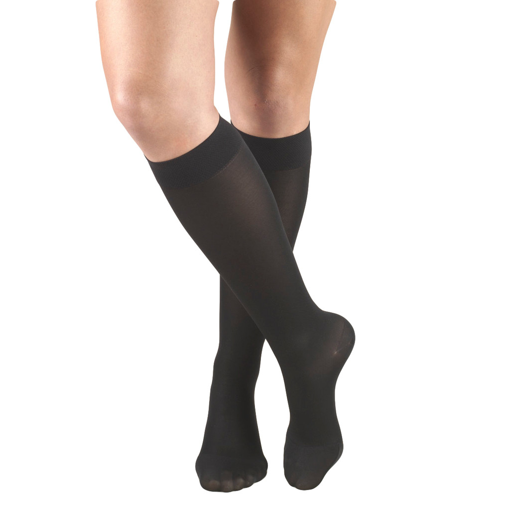 A131BL, Medium Support (15-20mmHg) Black Knee High Compression Socks, Front View