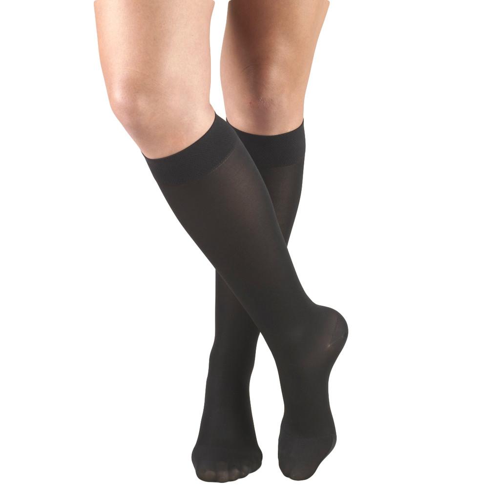 A131BL, Medium Support (15-20mmHg) Black Knee High Compression Socks, Front View