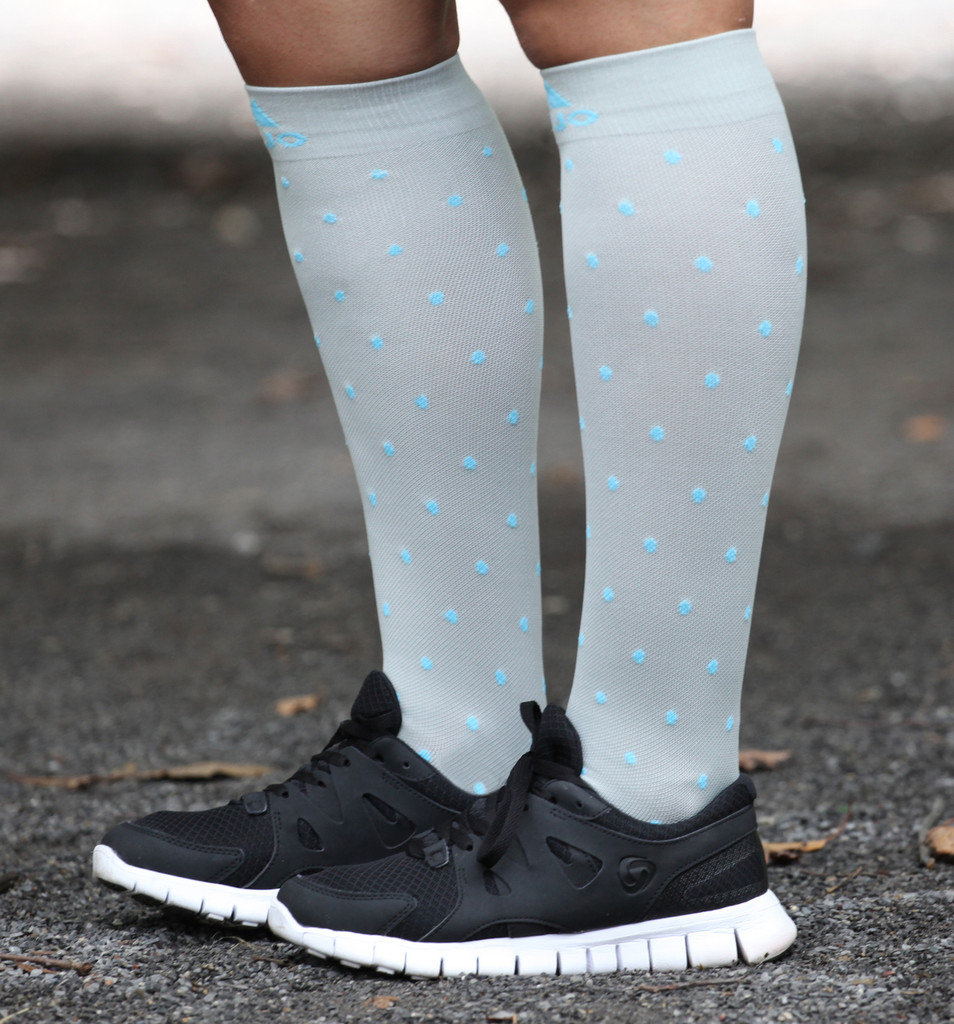 M816GD, Firm Support (20-30mmHg) Grey Blue Dot Knee High Compression Socks, Side View