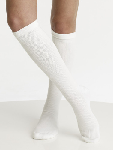 A2012WH, Firm Support (20-30mmHg) White Knee High Compression Socks, Front View