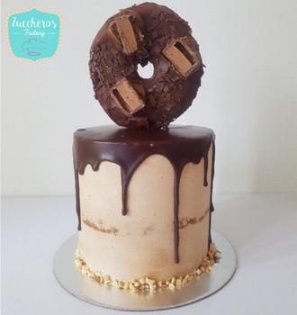 Last Minute Doughnut Cake