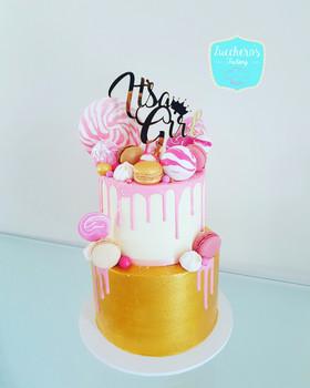 I'ts a girl Baby Shower Cake