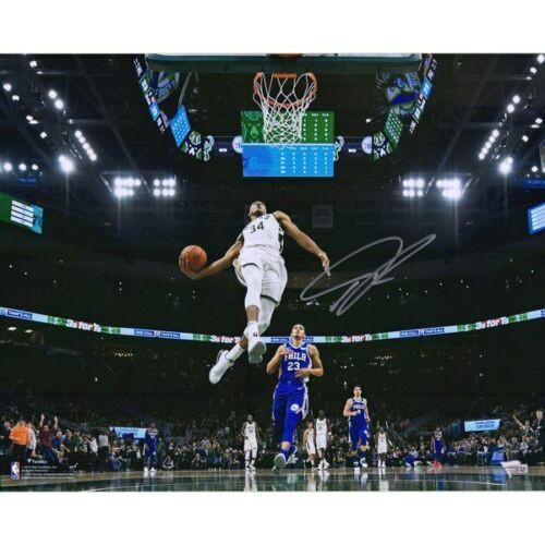 "GIANNIS ANTETOKOUNMPO Autographed Milwaukee Bucks 'In Air' 16"" x 20"" Photograph FANATICS"