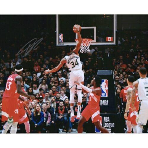 "GIANNIS ANTETOKOUNMPO Autographed Milwaukee Bucks 'Vs. Raptors' 16"" x 20"" Photograph FANATICS"