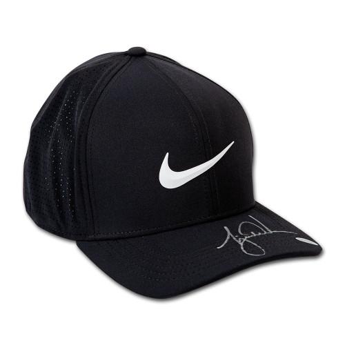 TIGER WOODS Autographed Nike Aerobill Black Golf Cap UDA
