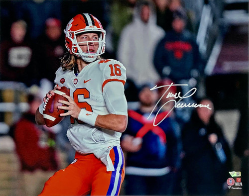 "TREVOR LAWRENCE Autographed Clemson Tigers ""Drop Back"" 16"" x 20"" Photograph FANATICS"