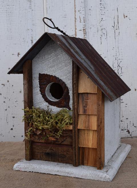 Birdhouse with Leaf Hole