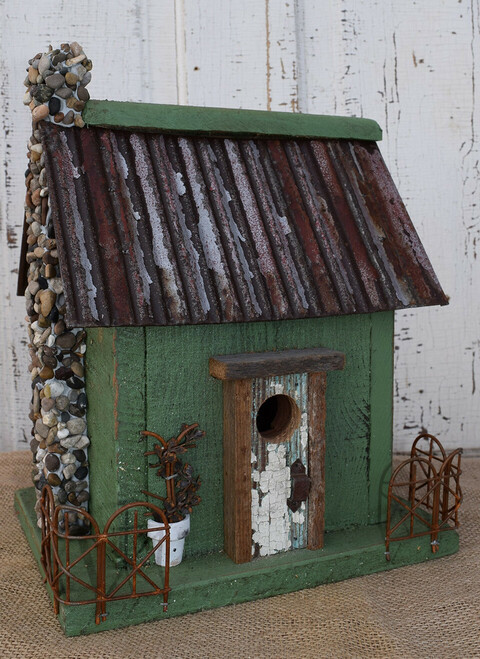 Birdhouse with Corner Fence