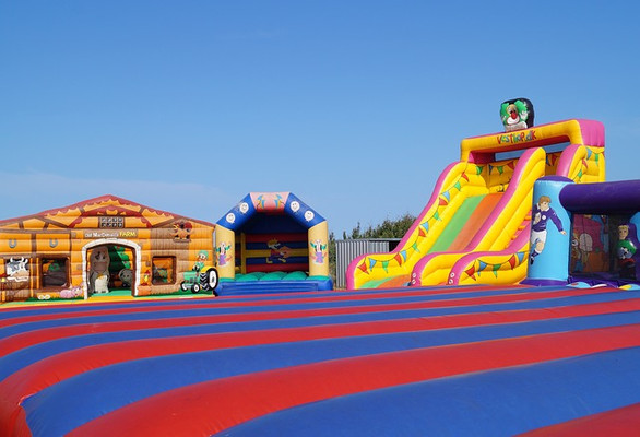 Casa inflable rompió Record Guinness