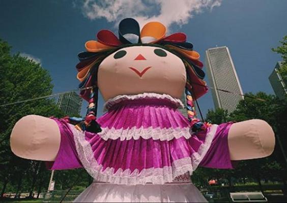 Lele, el inflable que promueve la  cultura mexicana