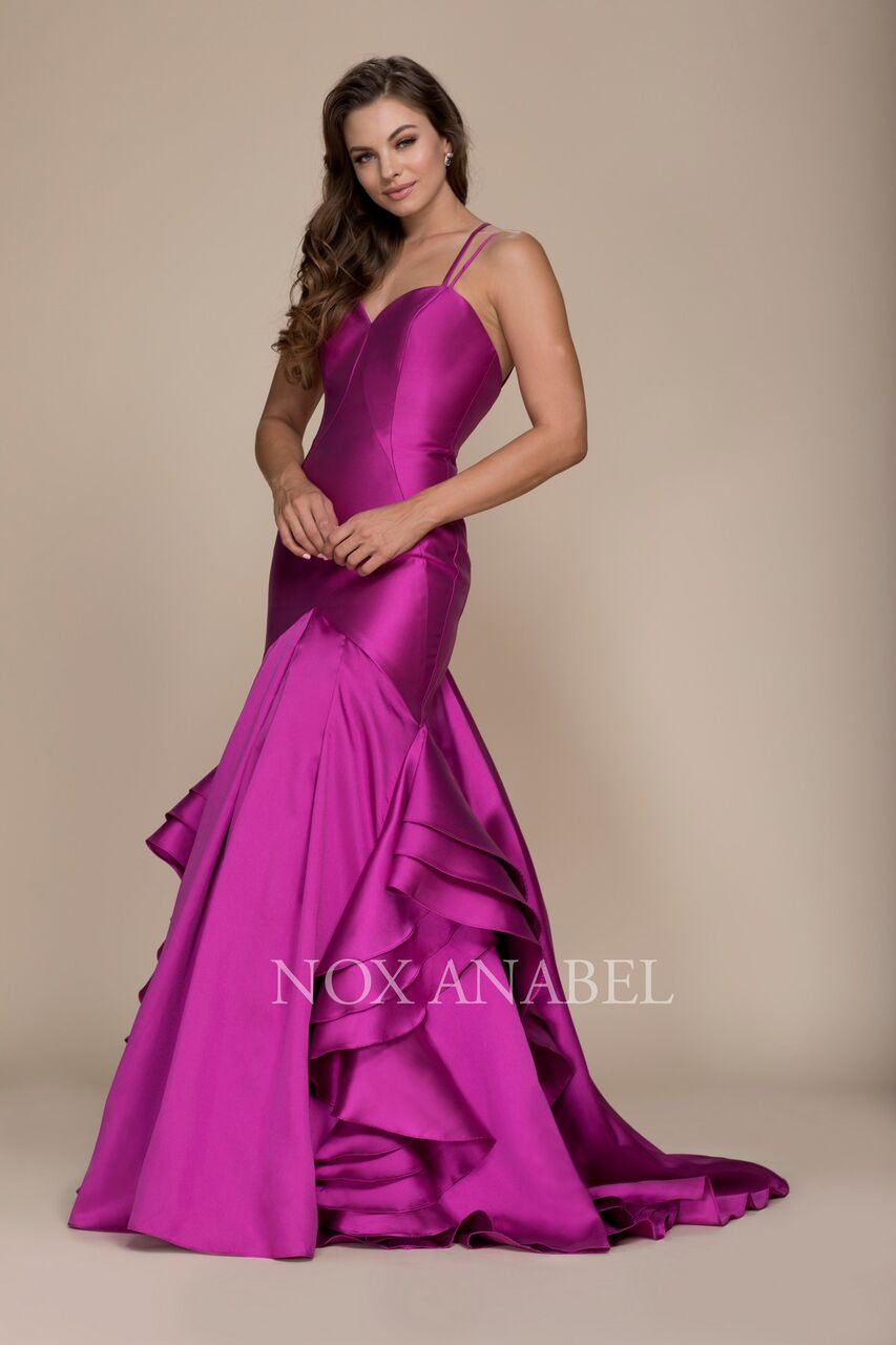 97897f2486327 This elegant sweetheart neckline prom dress features a sweetheart neckline  with double spaghetti straps and a