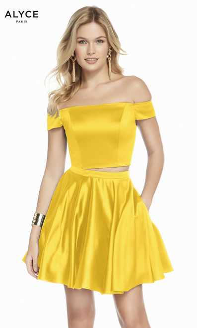 Perfect party dress that is both fun and ready to dance the night away , perfect for homecoming dance in two piece in style Alyce 1462. It features satin fabric and pockets- shop prom-avenue   Available in Yellow, Claret, Peacock, Black, Royal, Emerald and Blue Opal