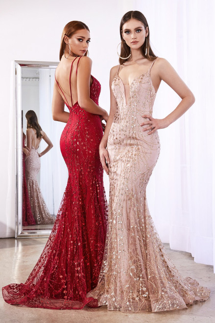 Fitted evening with mermaid silhouette and glittered details, it features a deep sweetheart V neckline and low back in style CD C25 - shop prom avenue  Available in Rose Gold, Red