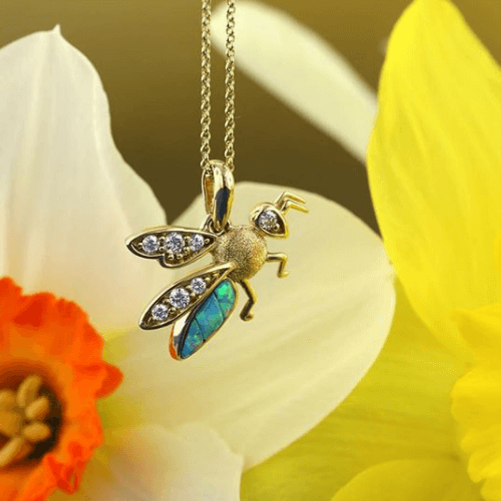 Bee 14K Gold Austrialian Opal Inlay Pendant Necklace | Kabana | GPCF389XX