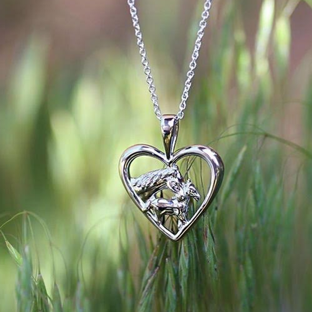 Kabana Horse Mother/'s Jewel Heart Pendant in Sterling Silver